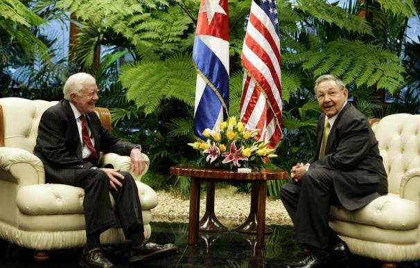 Raúl Castro reitera a Carter su disposición al diálogo con EEUU pero en igualdad