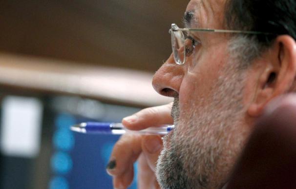 Rajoy dice que España sufre aún más crisis porque Zapatero no hace caso al PP