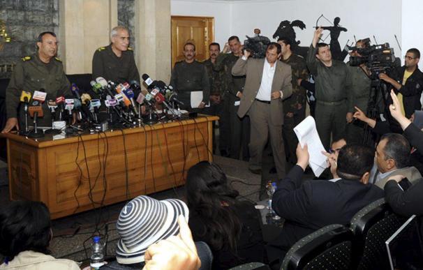Los Gobernantes militares de Egipto anuncian una Constitución provisional