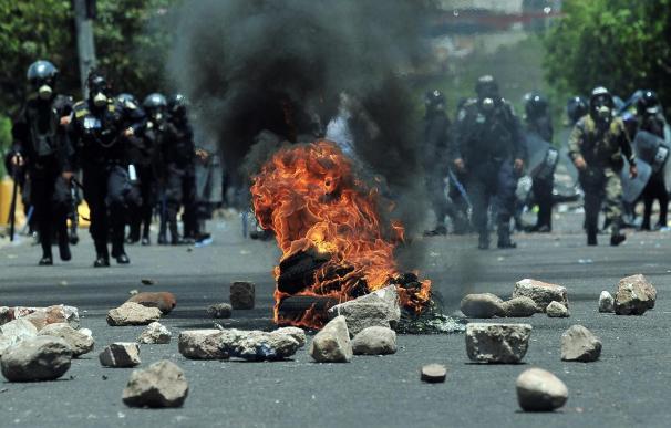La huelga de maestros hondureños cumple tres semanas con nuevas protestas