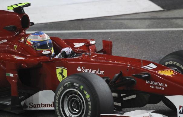 Vettel fue el más rápido en la última sesión libre seguido por Alonso