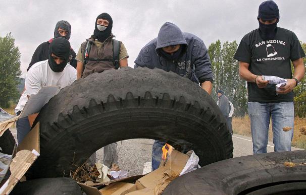 Reabiertas al tráfico las carreteras cortadas por los mineros en Asturias