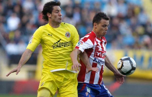 """El jugador del Villarreal Capdevila dice que """"queremos llegar al parón liguero con 15 de los 18 puntos jugados"""""""
