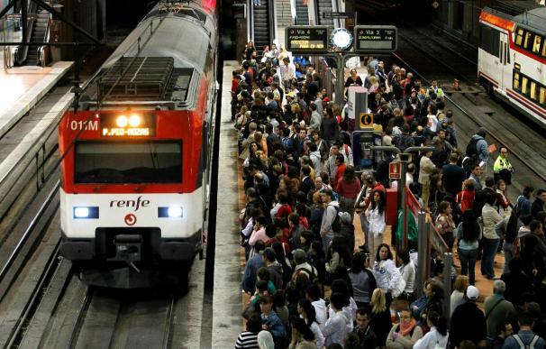 El transporte concentra la acción de los piquetes en el arranque de la huelga general en España