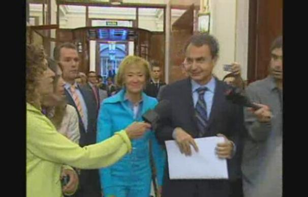 """Zapatero elude valorar la huelga y dice """"voy a trabajar"""""""