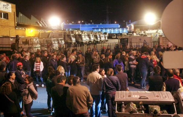 """UGT califica de """"masivo"""" el seguimiento de la huelga general durante la noche"""
