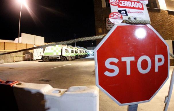 Normalidad en el metro y en los autobuses de Madrid en el inicio de la huelga