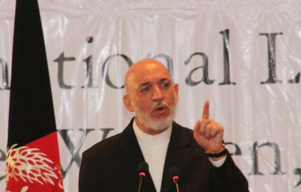 """Los talibanes dicen que el Consejo de Paz es """"teatro"""" y rechazan el diálogo"""