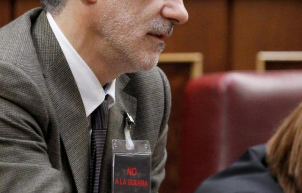 """Llamazares acusa al PP de """"golpismo blando"""" por cuestionar el proceso de paz"""