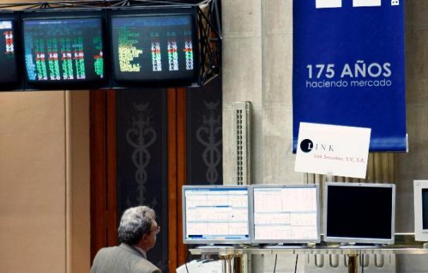 El IBEX se tiñe de rojo a mediodía y cede el 0,41 por ciento lastrado por la banca