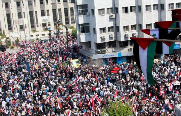 Cientos de miles de sirios participan en actos organizados de apoyo a Asad