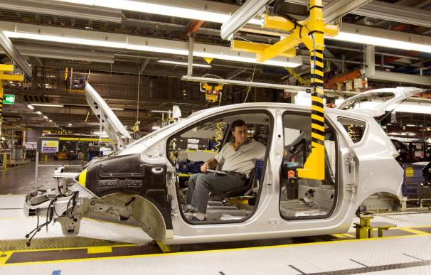 La producción española de vehículos tuvo en agosto la peor caída desde 1997