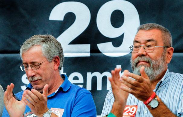 Los sindicatos piden a Zapatero que rectifique y no repita errores del pasado