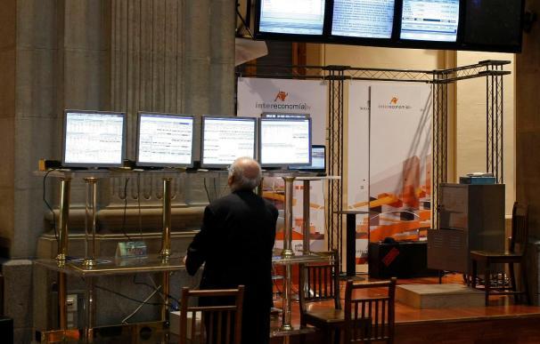 El Ibex pierde cerca del 2 por ciento a mediodía lastrado por el Santander y la FED