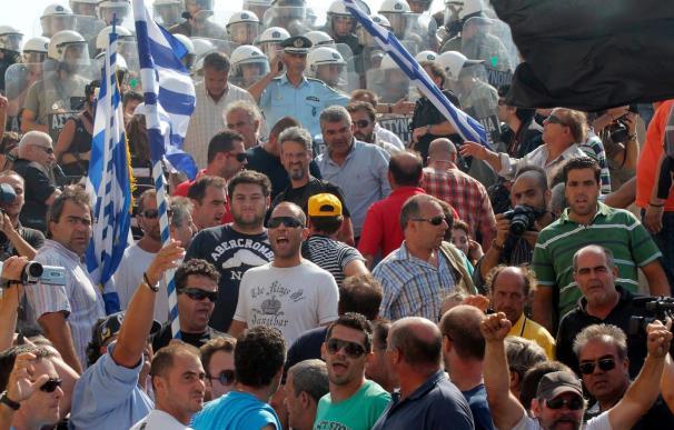 Ferroviarios y camioneros protagonizan nuevas protestas en Grecia