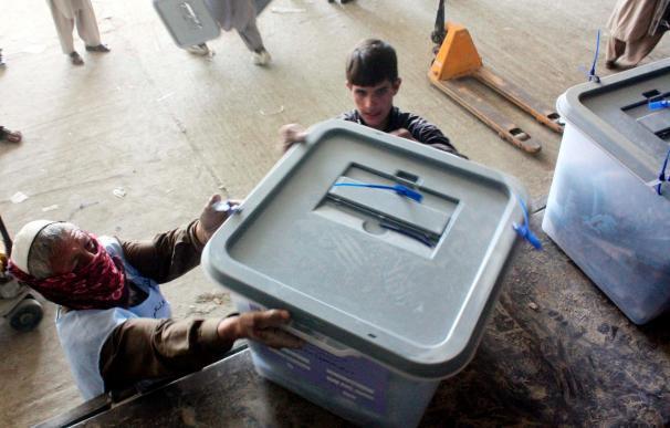La Comisión tramita unas 3.000 denuncias de fraude en las elecciones afganas
