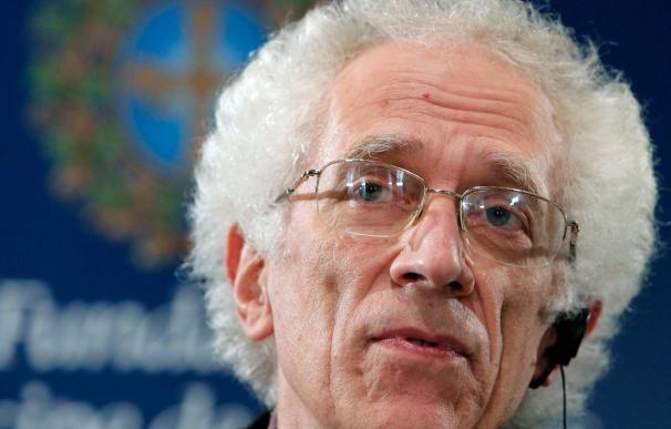 Tzvetan Todorov advierte del riesgo de que se repitan rasgos fascistas y comunistas