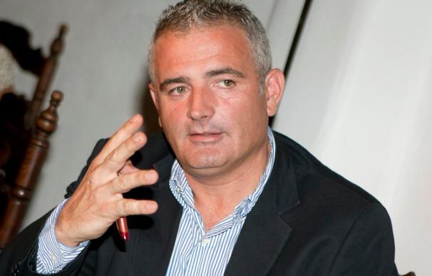 Font deja de ser portavoz del Consell e insinúa su salida de la política tras 27 años