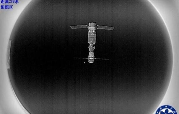 China estrena su 'palo selfie' espacial
