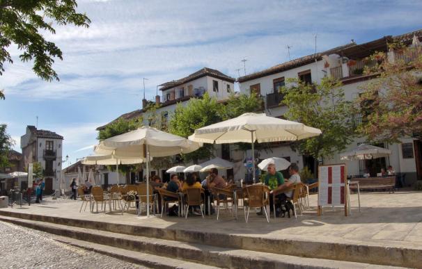 La llegada de turistas extranjeros logra la mayor subida de agosto desde 2006