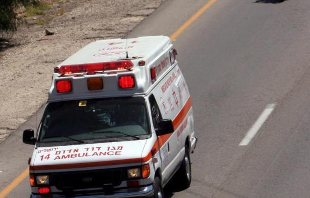 2 niños en estado muy grave tras ser arrojados por su madre desde una ventana