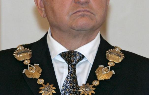 """Medvédev destituye al poderoso alcalde de Moscú por """"pérdida de confianza"""""""