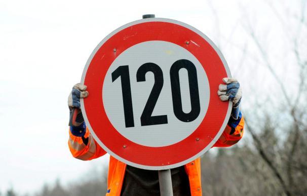 El Congreso insta al Gobierno a eliminar el límite de velocidad para los noveles