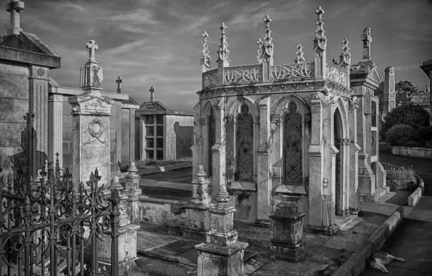 El panteón modernista del cementerio de Castro Urdiales gana el Concurso de Adiós Cultural
