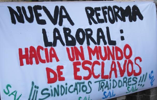 Los sindicatos salen a la calle en toda España contra los recortes