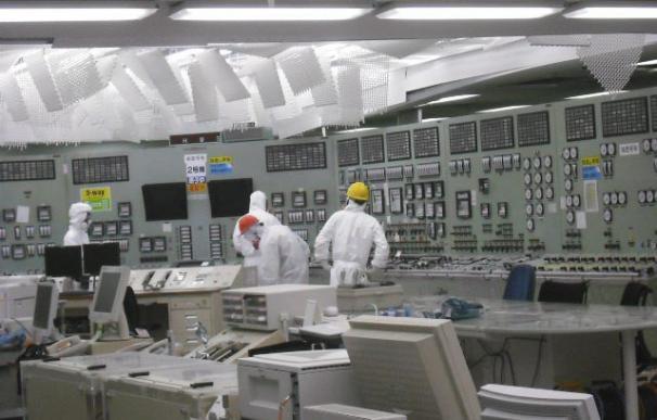 El Gobierno nipón, frustrado con TEPCO, mientras la situación sigue sin control