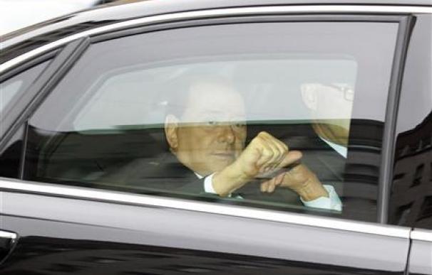 Berlusconi comparece en un juicio por fraude