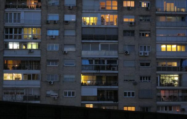 Solo el 4,3% de los hogares con todos los miembros en paro dispone del bono social de la luz