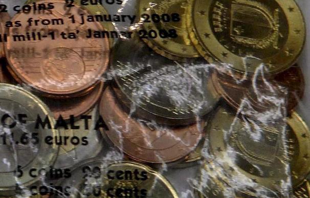 El euro supera los 1,42 dólares a media jornada por la subida de la inflación