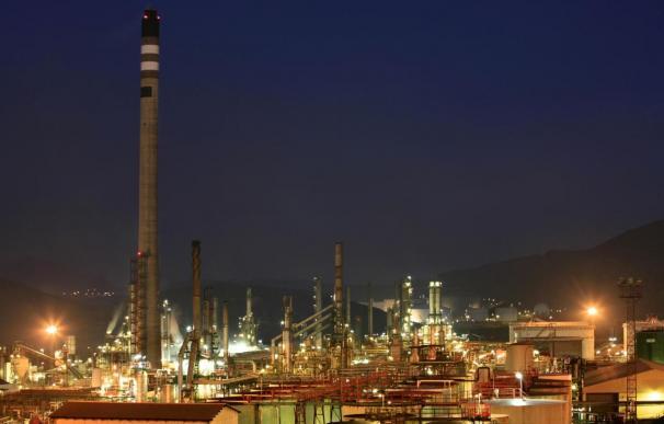 Repsol trabajará a pleno rendimiento en Cartagena para bajar su déficit de gasóleo