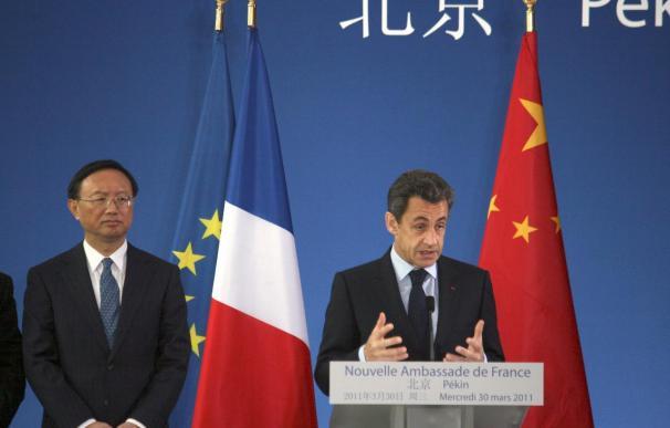 Sarkozy aboga en China por la internacionalización de las divisas