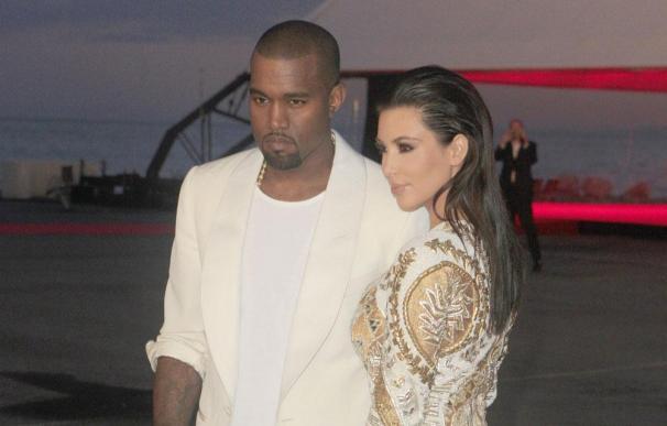 Kanye West solo utiliza cubertería de lujo