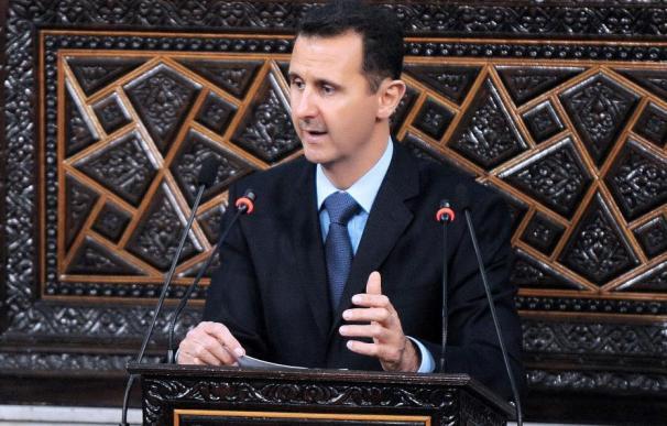 Asad ordena la creación de una comisión para estudiar la derogación de la ley de emergencia