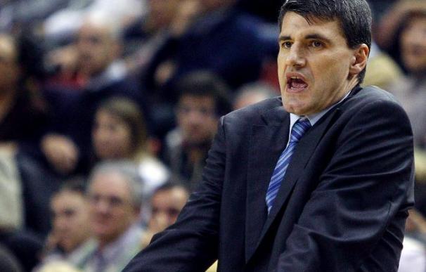 Velimir Perasovic dimite como entrenador del Efes Pilsen