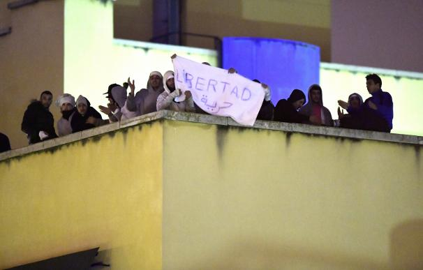 Los inmigrantes que provocaron el motín en el CIE de Aluche serán expulsados