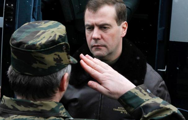 "Medvédev critica a Putin por usar el término ""cruzada"" al hablar de Libia"