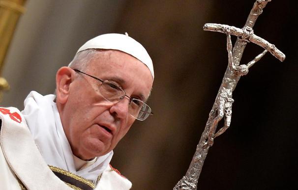 """El Papa Francisco pide caminar """"en la luz"""" y que no prevalezca """"el orgullo, la mentira y el interés"""""""