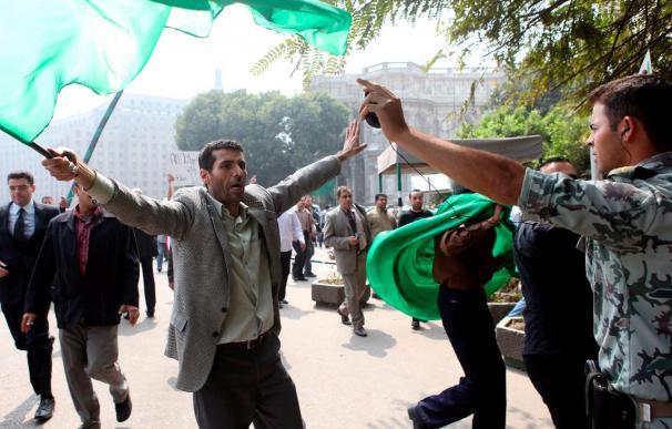 Ban Ki-moon, obligado a refugiarse en la sede de la Liga Arabe al ser hostigado por gadafistas