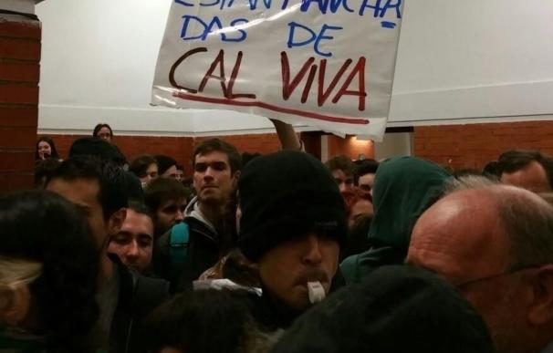 """El PSOE acusa a Iglesias de """"señalar"""" a Felipe González y dice que """"los violentos"""" repiten sus """"consignas"""""""