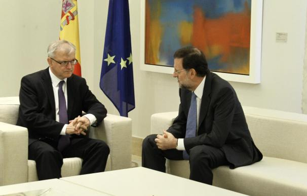 Rajoy transmite a Rehn que los PGE y el plan de reformas permitirán avanzar en la recuperación de la economía