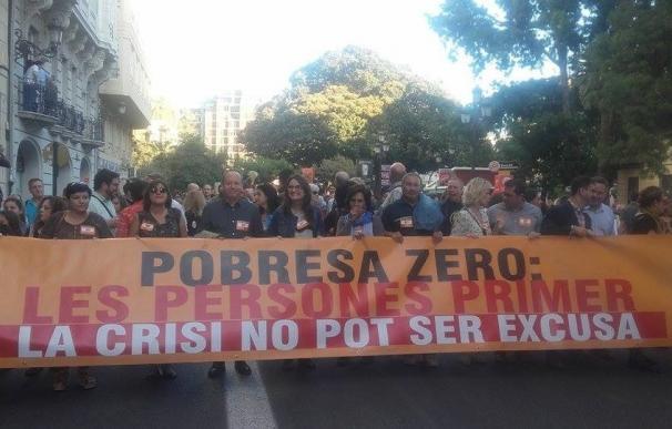 """Cientos de manifestantes exigen """"justicia fiscal"""" y rechazar acuerdos internacionales """"injustos"""""""