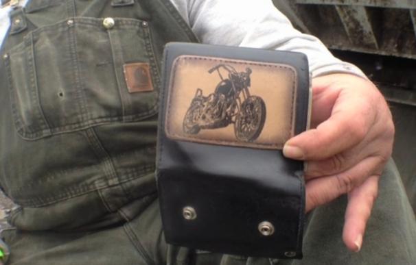 La cartera que ha vuelto a su dueño tres años después.