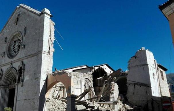 El terremoto destruye la Basílica de san Benito, uno de los atractivos turísticos de Norcia