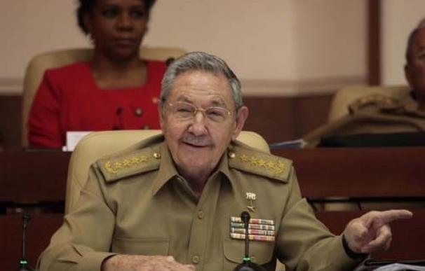 """Raúl Castro rechaza las """"terapias"""" europeas para el modelo económico de Cuba"""
