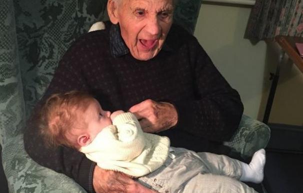 La historia de Jimmy Newell, el anciano que murió el mismo día y a la misma hora que nació