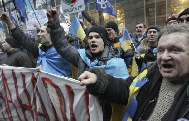 Imagen de varios manifestantes ucranianos.